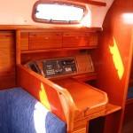 Navigationsecke an Bord einer Segelyacht Bavaria 37 / Foto: Steffen Lelewel